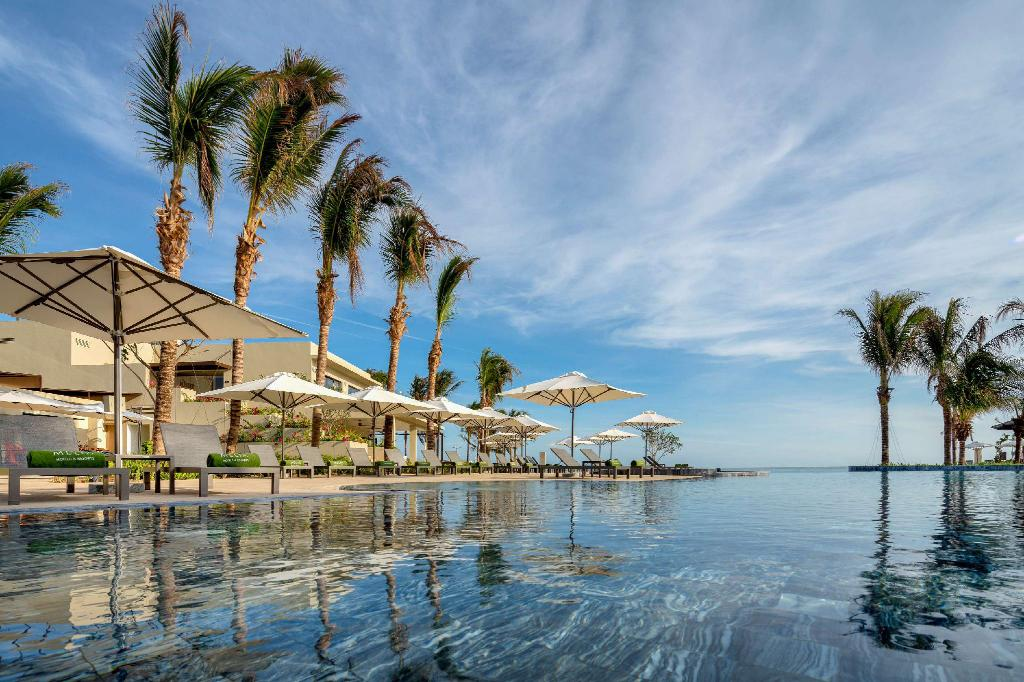 Melia Ho Tram Beach Resort - Golden-age glamour in Ho Tram Beach. This Vietnam's Ultimate Luxury Beachfront Resort is the perfect gateway for your family vacation.